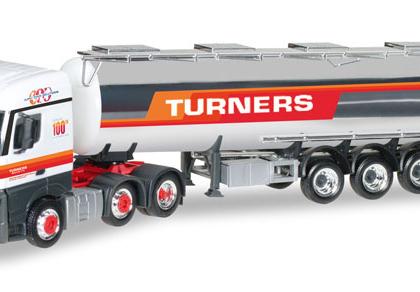 "Turners Mercedes-Benz Actros Streamspace chromed tank semitrailer ""Turners"" (GB) - Herpa 306720"
