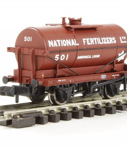 "14 ton tank wagon ""National Fertilizers Ltd"" - Graham Farish 373-654"