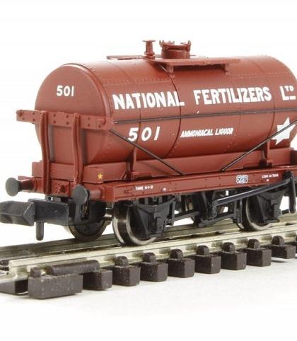 """14 ton tank wagon """"National Fertilizers Ltd"""" - Graham Farish 373-654"""