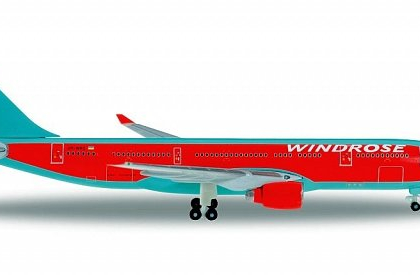 Windrose Airbus A330-200 UR-WRQ - Herpa 529075 WINGS CLUB MODEL