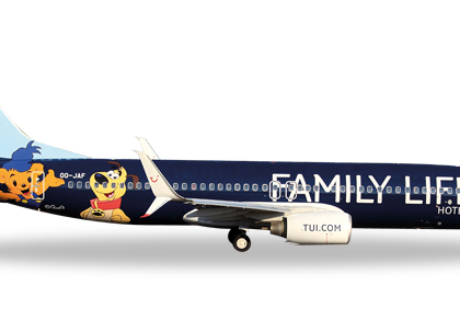 """Jetairfly Boeing 737-800 """"Family Life Hotels""""  - Herpa 529433"""