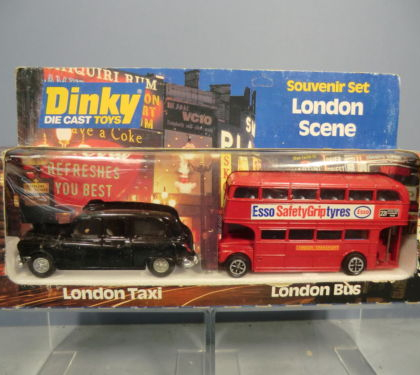 """LONDON SCENE """"ROUTEMASTER & FX4 TAXI"""" - DINKY TOYS GIFT SET No.300"""