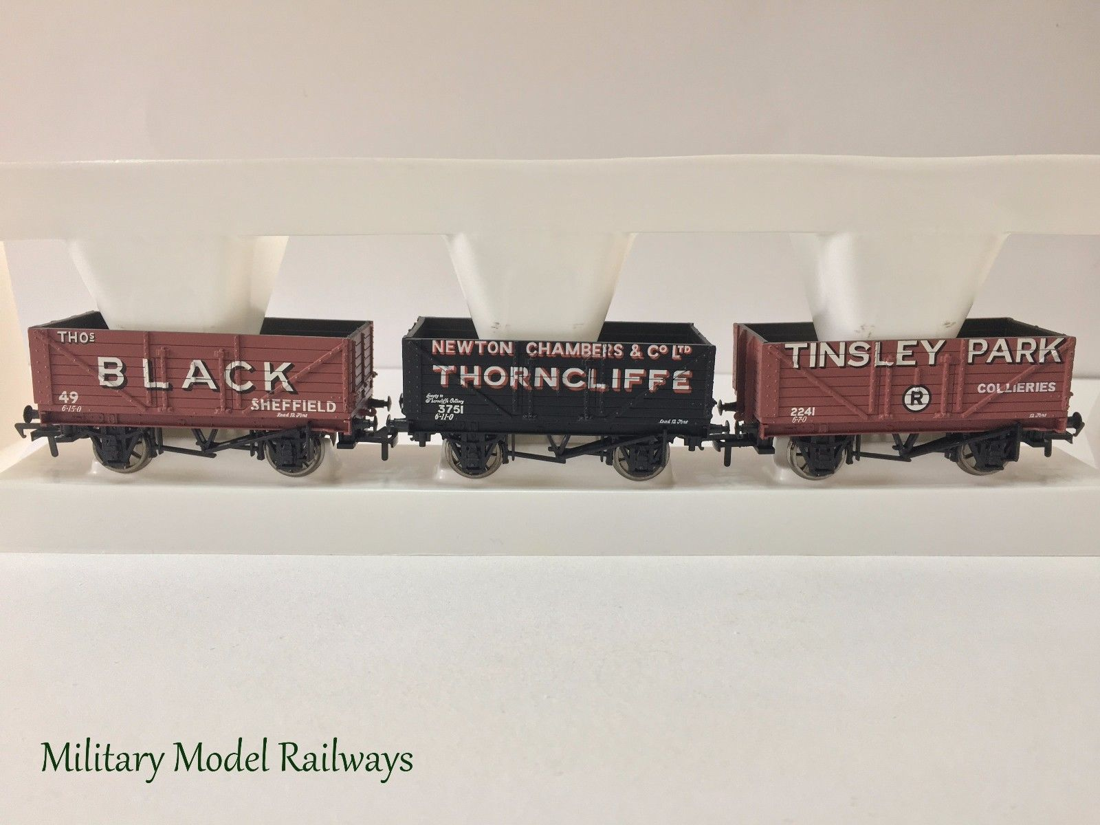 COAL TRADER CLASSICS SET OF 3 7 PLANK WAGONS Thos Black, Tinsley ...