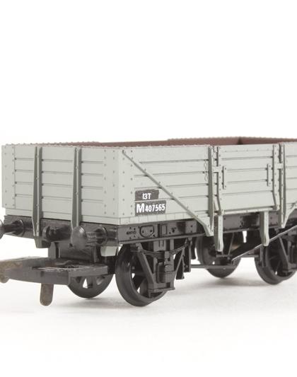 33-902 Bachmann OO//HO Gauge Bogie Well Wagon BR Departmental Black