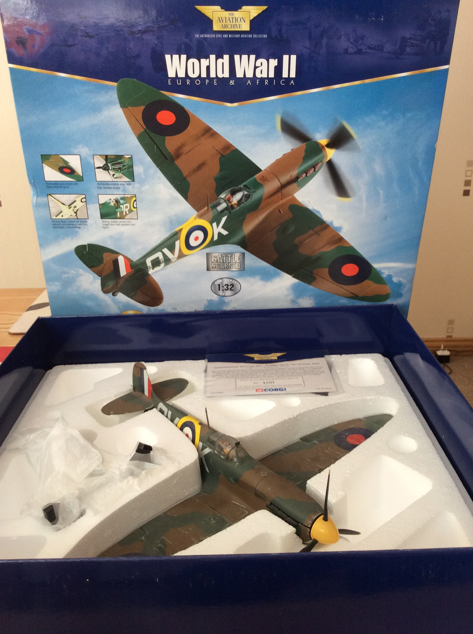 Corgi Aviation Archive Collector Series AA33902 Supermarine Spitfire Mk I  Diecast Model RAF No 19 Sqn, Brian Lane, RAF Fowlmere, England, Battle of